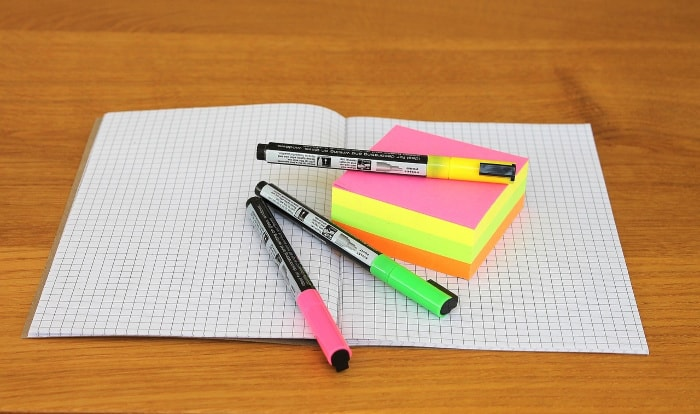 markers-and-sticky-notes-for-labeling-moving-boxes